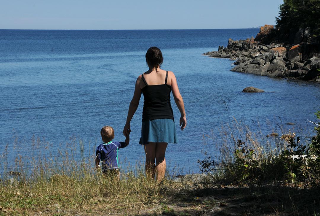 Plage et vue sur la mer au Domaine et Camping Annie-sur-mer