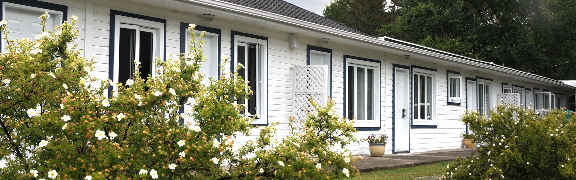Chalets, chambres de Motel ou chambres dans l'auberge, Domaine Annie-sur-mer vous assure un confort absolu